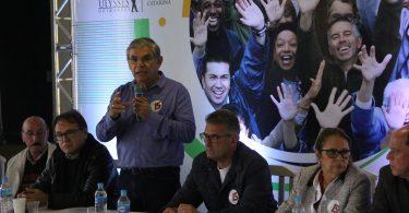 Na ACIL Eduardo Moreira ...